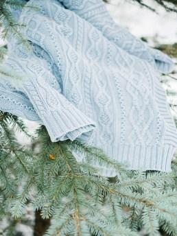 Light Blue Winter Wedding Read more Real Winter Weddings | fabmood.com #winterwedding