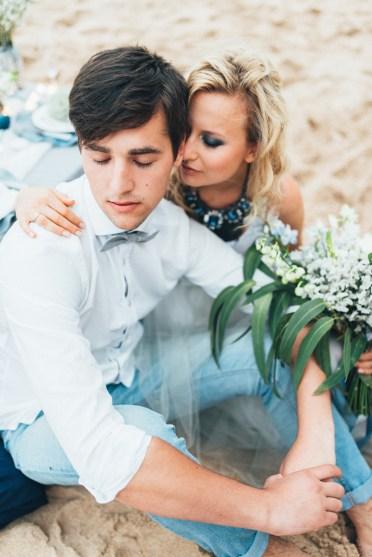 Ocean blue and shades of gray colour scheme | Organic + Ethereal Beachside Wedding Inspiration | Photography : pshefter.com | Read more #weddinginspiration on fabmood.com