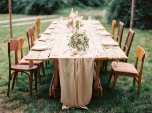 wedding table setting  Cozy and Intimate Rustic Wedding   Photography : yuriyatel.com   read more: fabmood.com