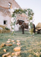Simple wedding decor for Eco-friendly Natural,Boho Hippie Chic Wedding | fab mood