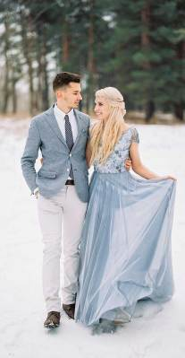 winter wedding photos, winter wedding pictures , winter wedding with snow background , bride and groom winter wedding