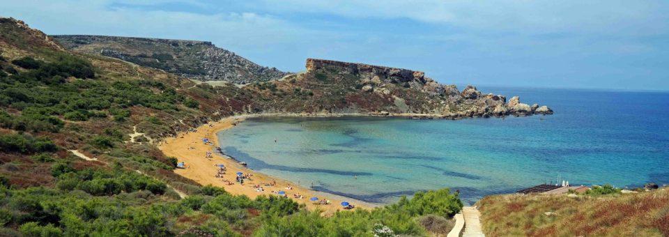 Plaja Ghajn Tuffieha – cea mai frumoasă plajă din Malta