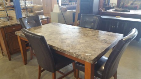 fab-finds-alpha-omega-thrift-store-jacksonville-table
