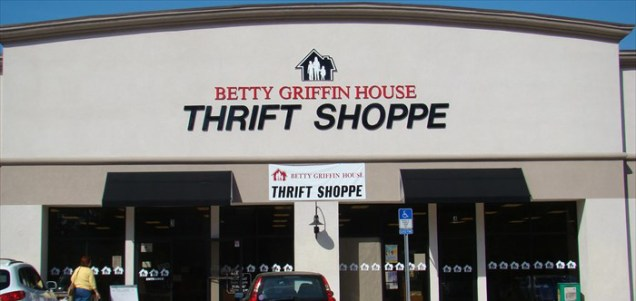 fab-finds-betty-griffin-house-thrift-shoppe-julington-square-storefront