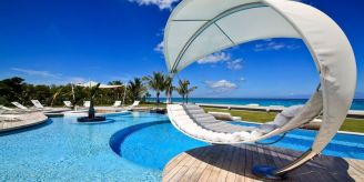 st-maarten-exterior-pool view