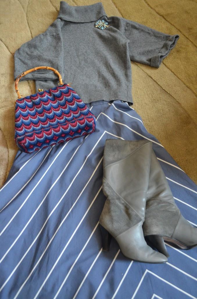 Sweater M&S, boots Ebay, vintage 70's bag Ebay and brooch Lulu Vintage.