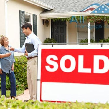 How To Stay Proactive If You're Buying a House During COVID-19