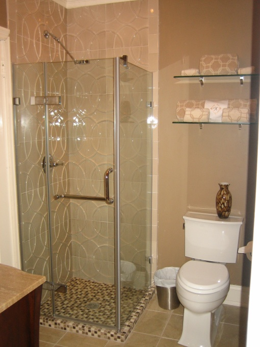 Adorable Decorating Designs and Ideas for the small bathroom on Small Bathroom Ideas With Shower id=15997