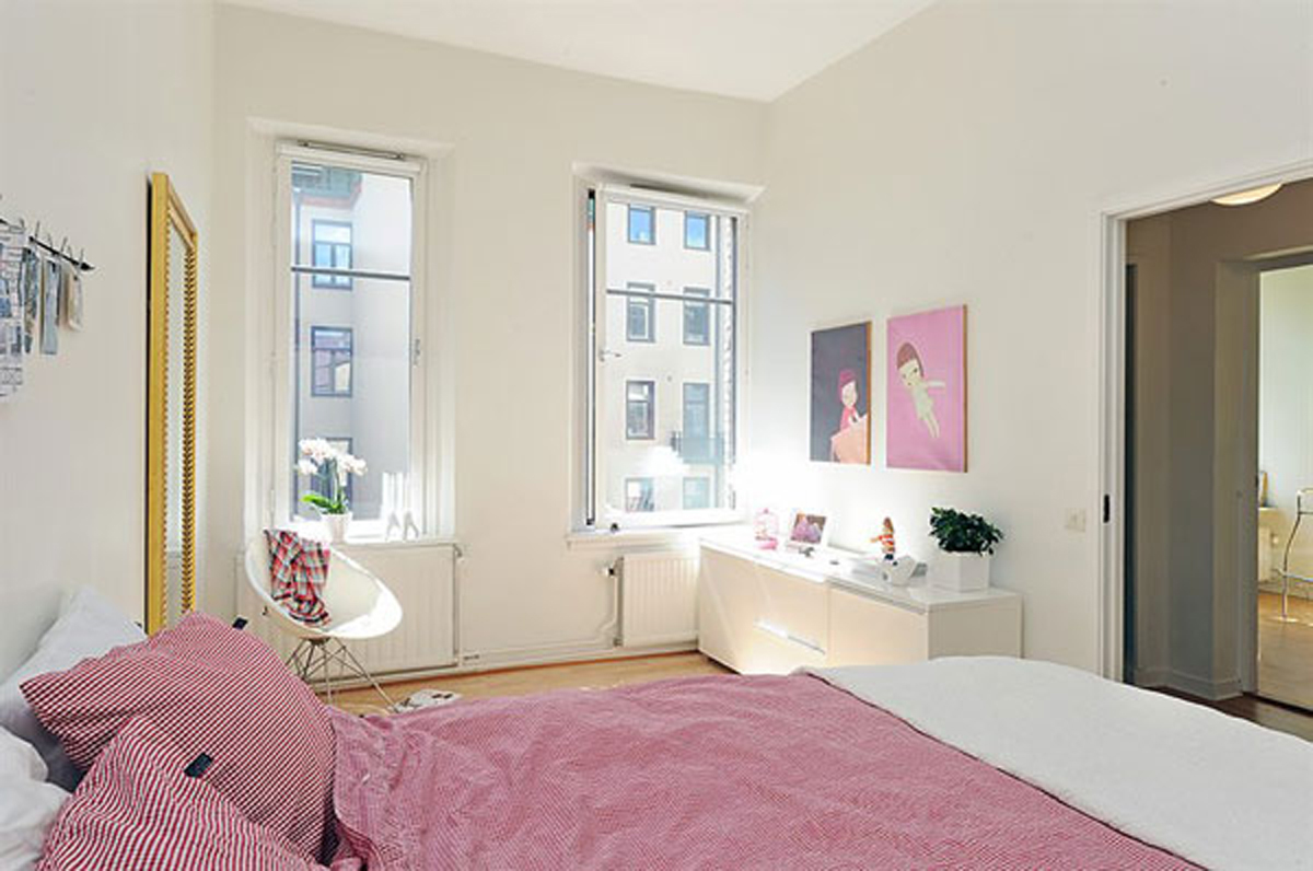 Creative decorating ideas for the small bedroom on Bedroom Decoration Ideas  id=79726