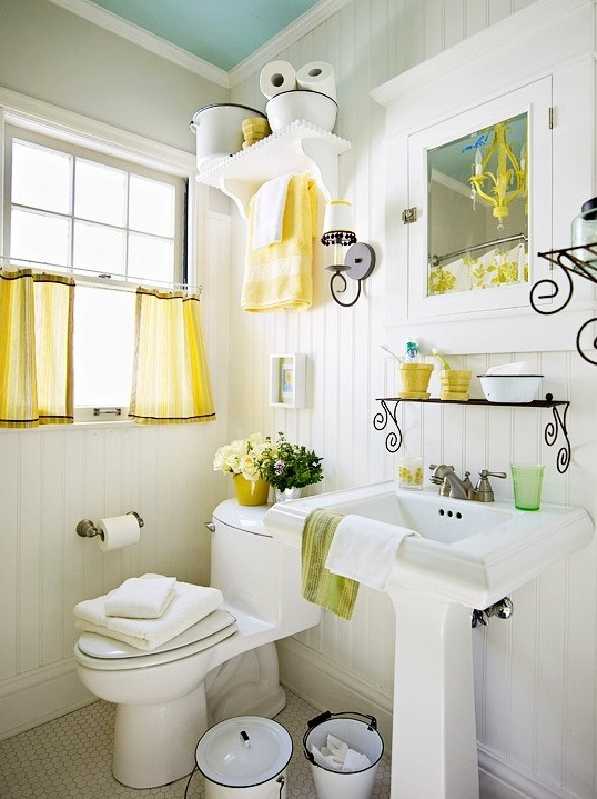 Small Bathroom deocrating Ideas on Small Bathroom Ideas Pictures  id=55139