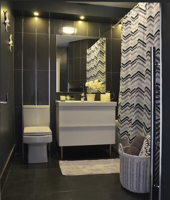 Monochromatic small bathrooms designs on Monochromatic Bathroom Ideas  id=33265