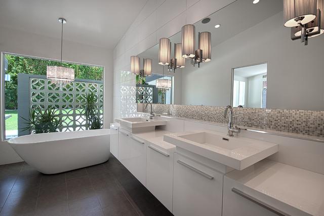 Monochromatic small bathrooms designs on Monochromatic Bathroom Ideas  id=65666