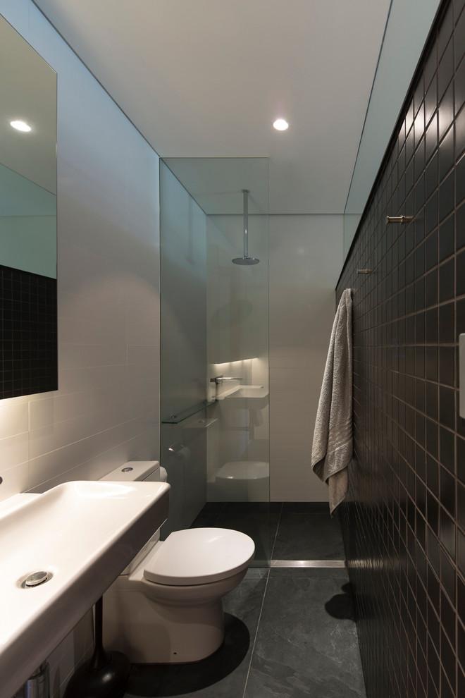 Monochromatic small bathrooms designs on Monochromatic Bathroom Ideas  id=28639