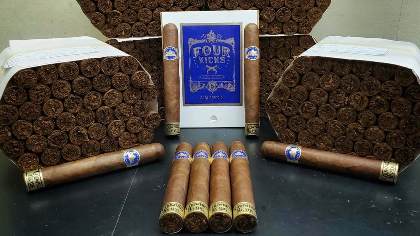 Debutta il nuovo Crowned Heads Four Kicks Capa Especial