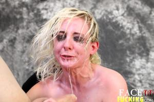 Face Fucking Lily Lovecraft 2