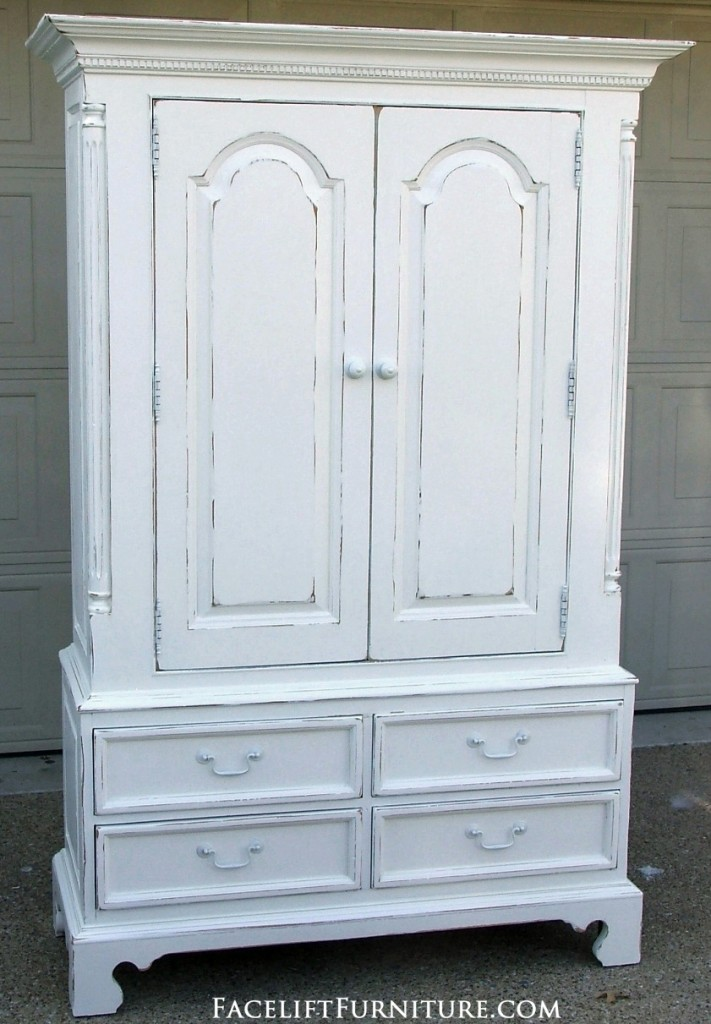 Exceptionnel Distressed White Clothing Armoire. Facelift Furniture DIY Blog.