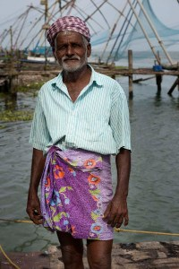 Fisherman, Chinese fishing nets, Kochi, Fort Kochi, Cohin, Kerala, South India, India, Faces Places and Plates blog