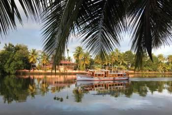 IMG_4007_v2_boat-in-the-morning_1024x683