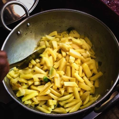 Anna Zacharria's Mezhukku Chini Chutti (Wok fried potatoes)
