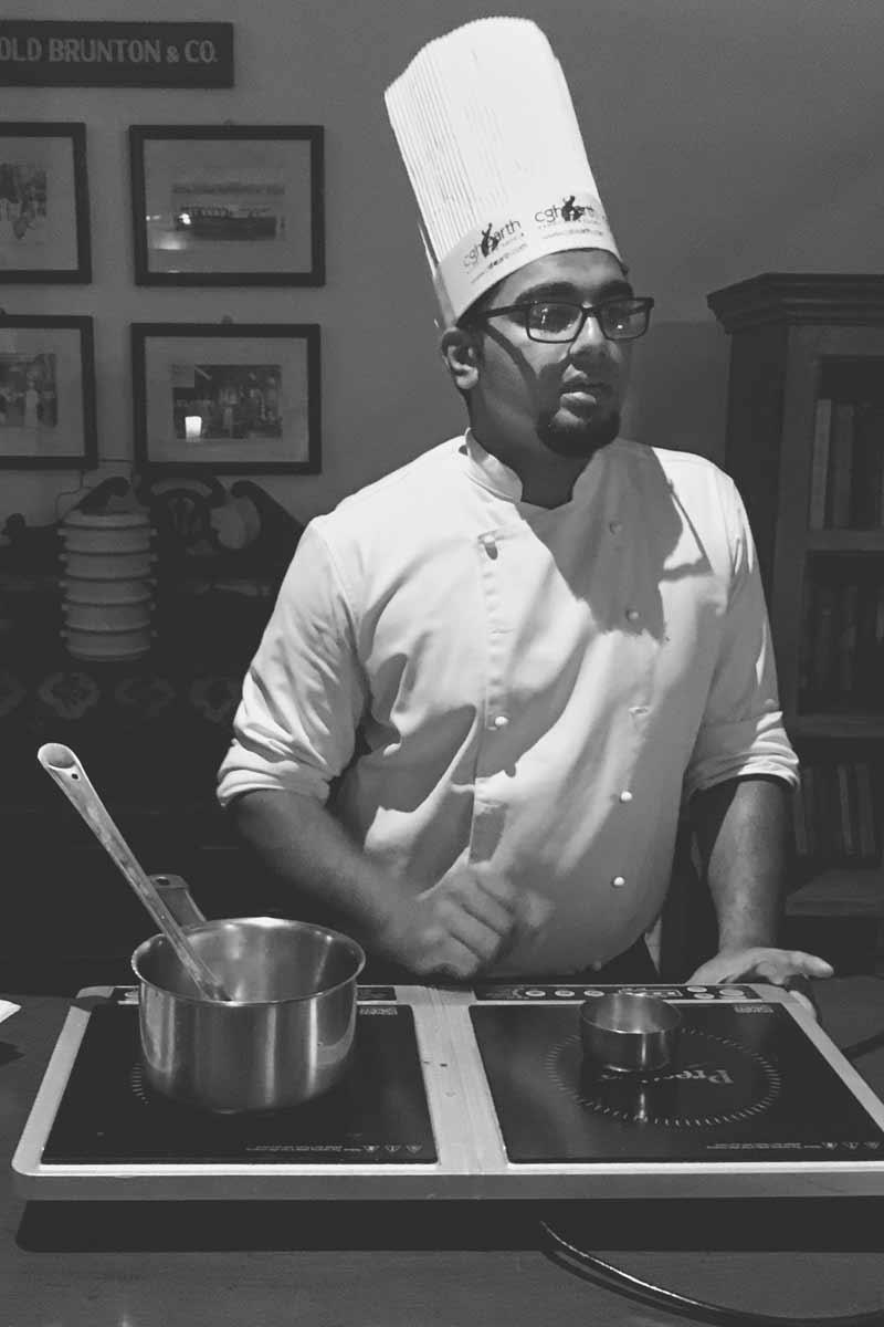 Chef prepares Kerala Chicken Ishtoo
