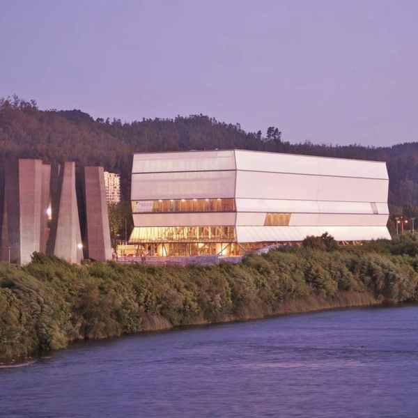teatro regional desde puente