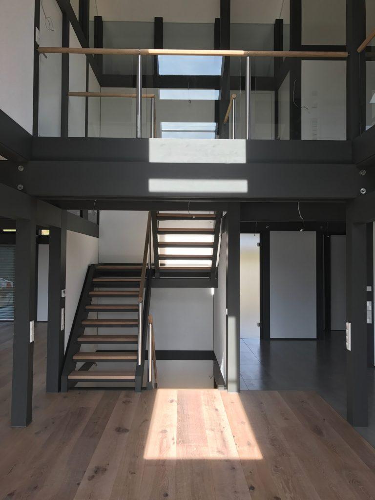 Huf art4 modernes fachwerkhaus Podesttreppe