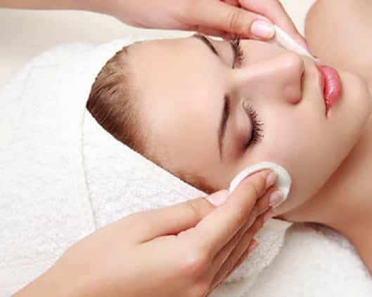 Alt: Skin lightening Facial
