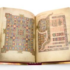 lindisfarne-gospels