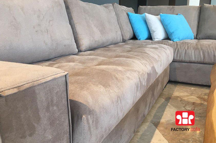 Γωνιακό σαλόνι ELOUNDA, 3,00m x 2.50m με αποσπώμενο σκαμπό. Διατίθεται με αδιάβροχο ύφασμα σε μεγάλη ποικιλία χρωμάτων.Ελληνικής κατασκευής με την εγγύηση της FactorySofa.