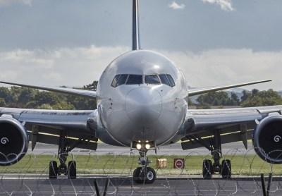 España prohibirá el español en las comunicaciones aéreas