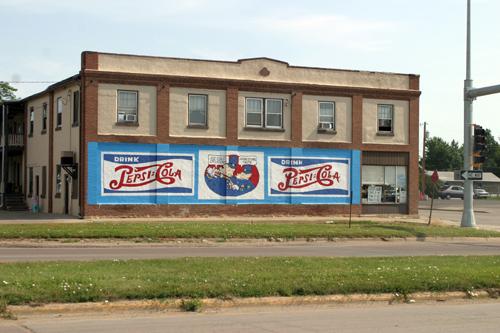 Pepsi-Cola - Huron, SD - © Bob Kisken