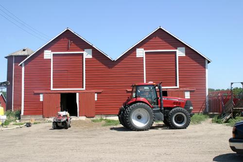 Twin Barns - Sisseton, SD - © Bob Kisken