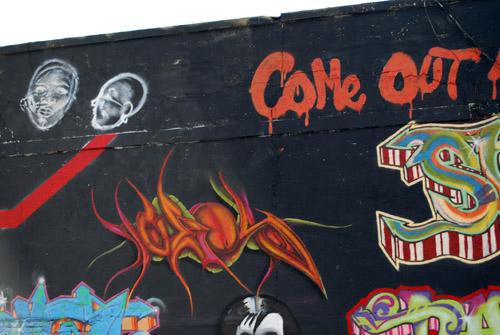 Brooklyn-Battery Tunnel Entrance Graffiti