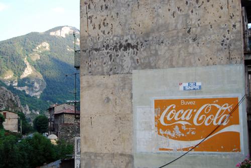 Buvez Coca-Cola - Provence-Alpes-Côte d'Azur - France - © Frank H. Jump