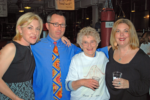 CNN Anchorwoman Mary Snow with her fiancé Kevin Kelly & his mom & cousin Barbara Snow