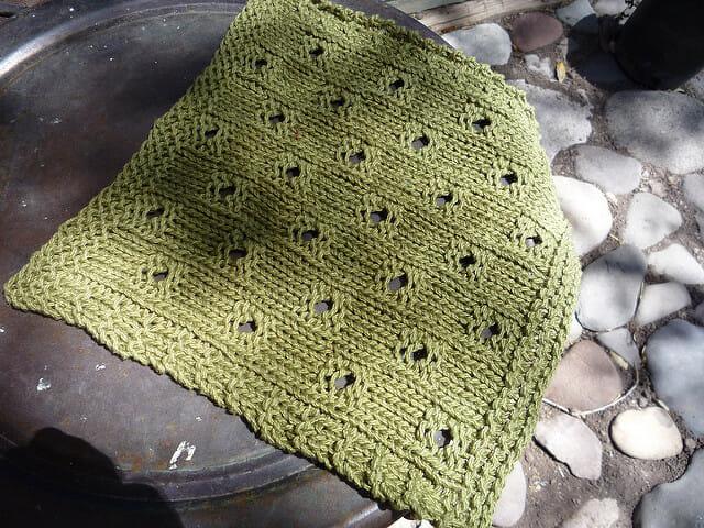 Hip to Be Square, free knitting pattern   dishcloth, washcloth, quilt square, knitting   faerwear