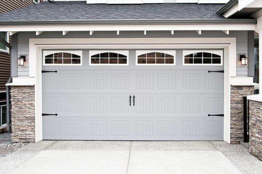 Choosing the Best Garage Door Paint Color For Your Home ... on Choosing Garage Door Paint Colors  id=76013
