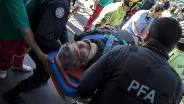 At least 99 hurt in Argentina train crash