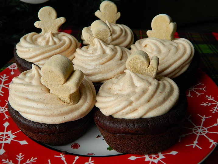Chocolate Gingerbread Cupcakes with Cinnamon Cream Cheese Frosting