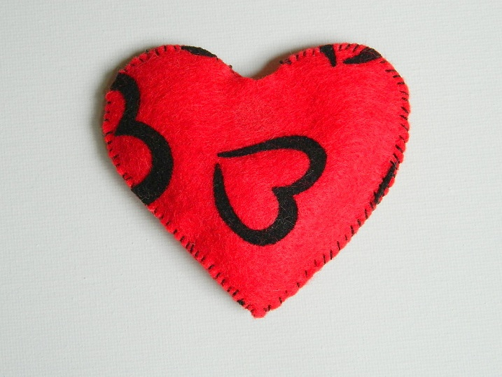 Refillable Catnip Heart Toy