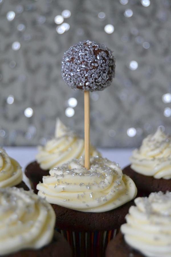 Tattooed Martha - Chocolate New Year's Eve Cupcakes (10)