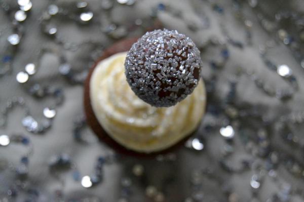 Tattooed Martha - Chocolate New Year's Eve Cupcakes (8)