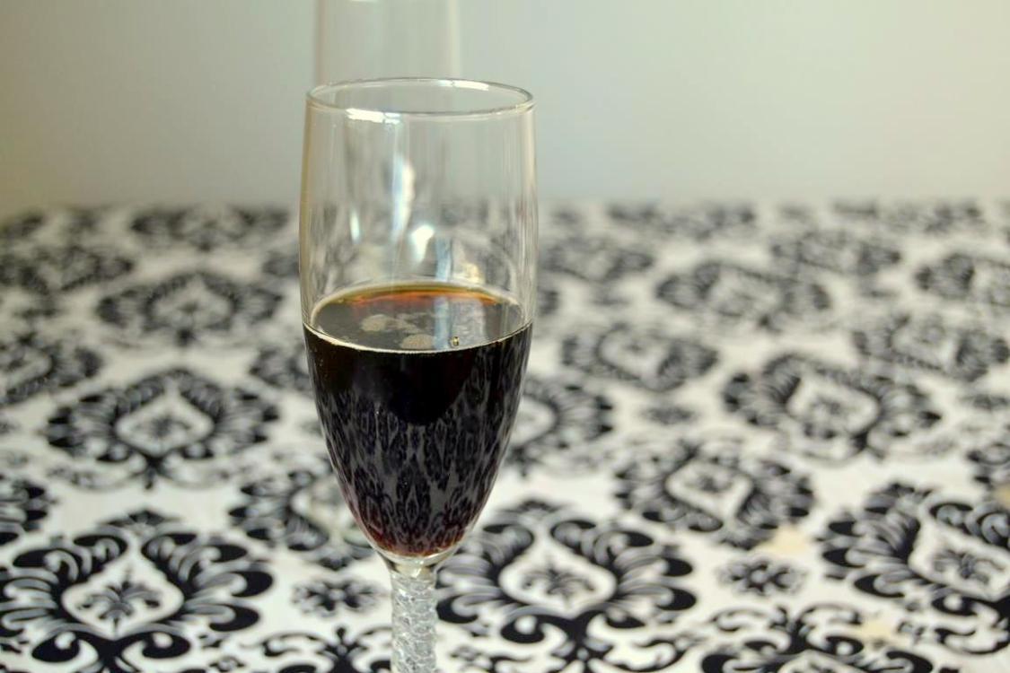 Tattooed Martha - Black Velvet  Cocktail (3)