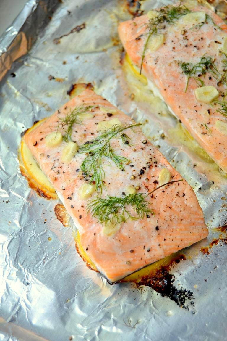 Simple Lemon Dill Salmon with Cucumber Cilantro Sauce (5)