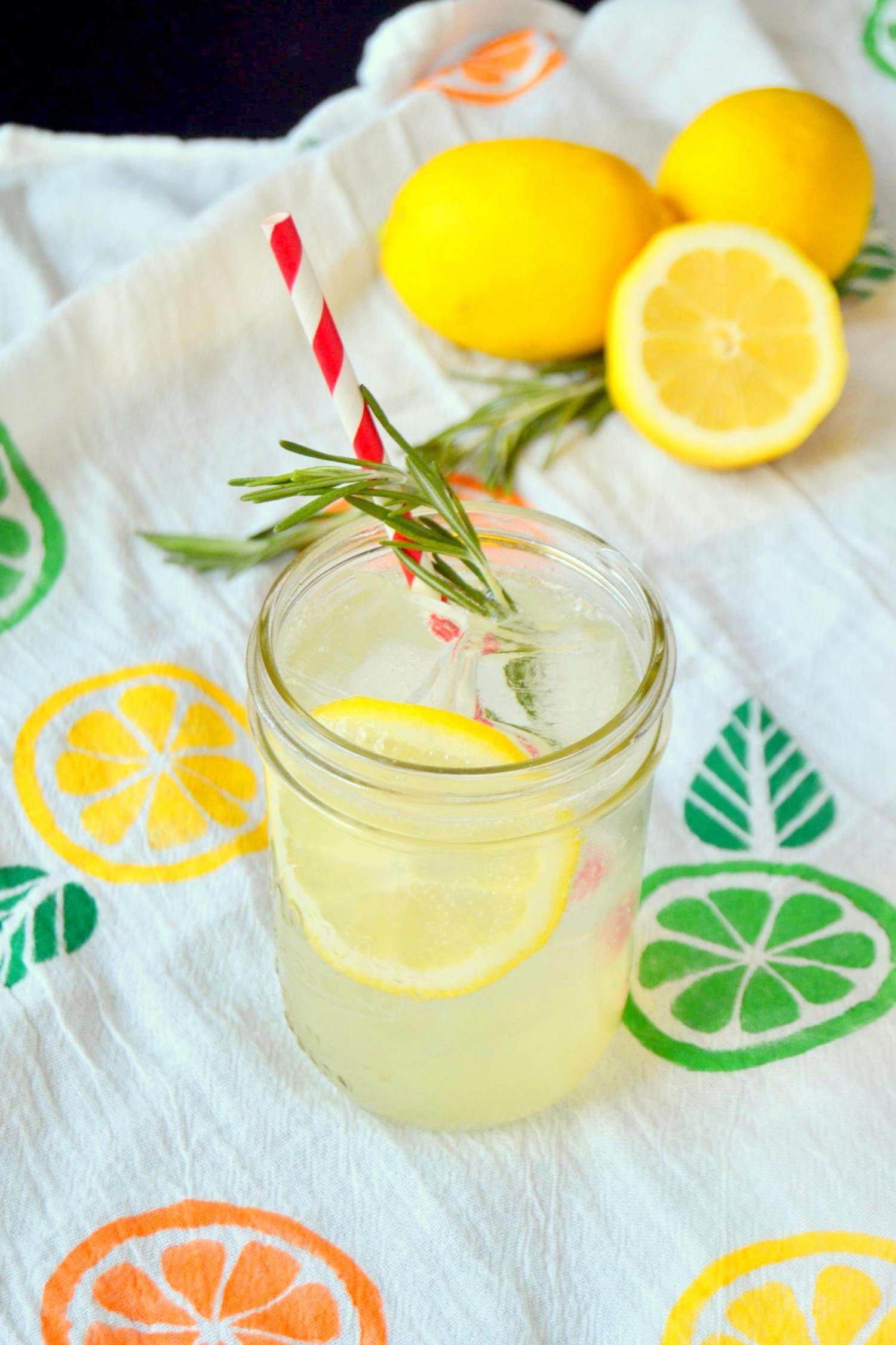 Rosemary Lemonade Gin Fizz