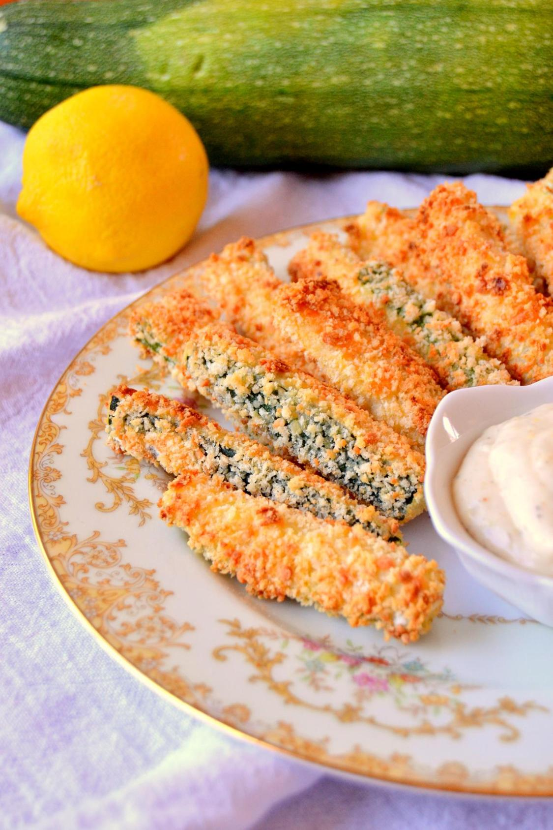 Baked Parmesan Zucchini Sticks with Lemon Garlic Aioli on www.TattooedMartha.com (7)