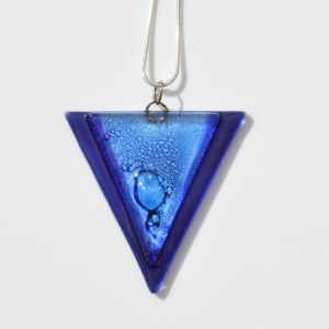 Glass pendant triangle dark blue with aqua JNG5