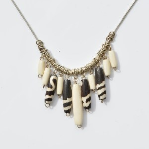 Fair Trade Bone necklace natural and batiked – JNBonb