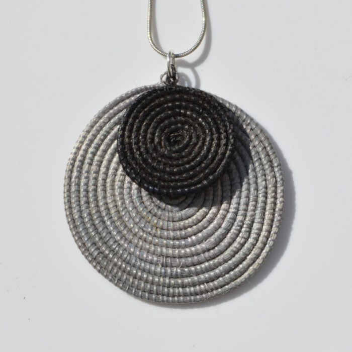 Fair Trade Sisal pendant grey/black – JPSgb