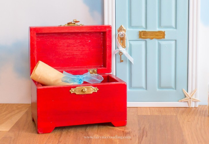 miniature treasure chest for Fairy Doors UK